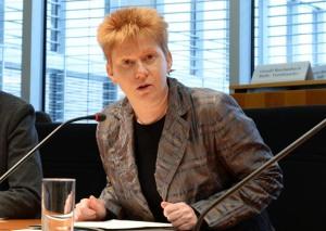 Petra Pau, Die Linke, Foto: Bundestag / Achim Melde