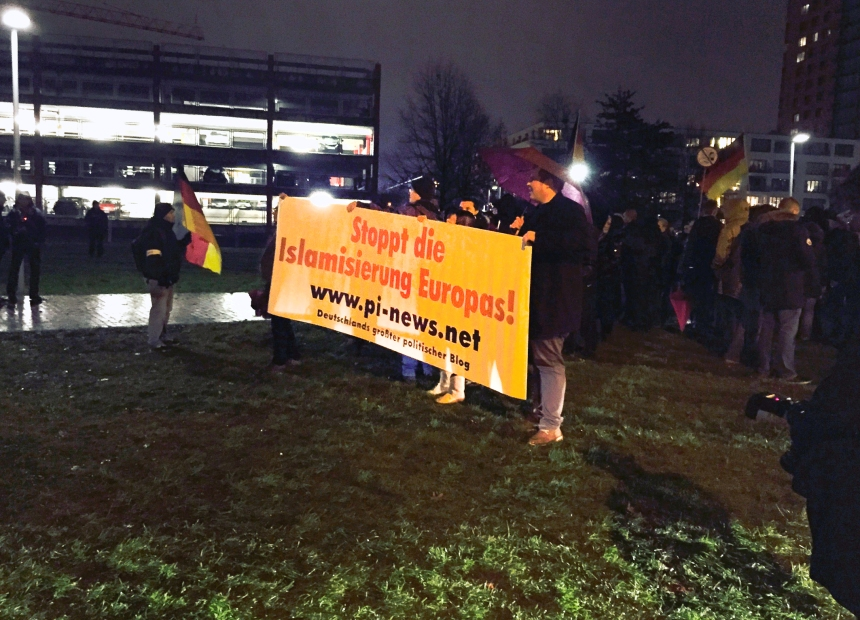 PEGIDA-Demo in Düsseldorf 2014, Foto: Ulrike Märkel